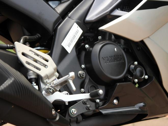 Can canh Yamaha R15 2014 moi ve Ha Noi hinh anh 13