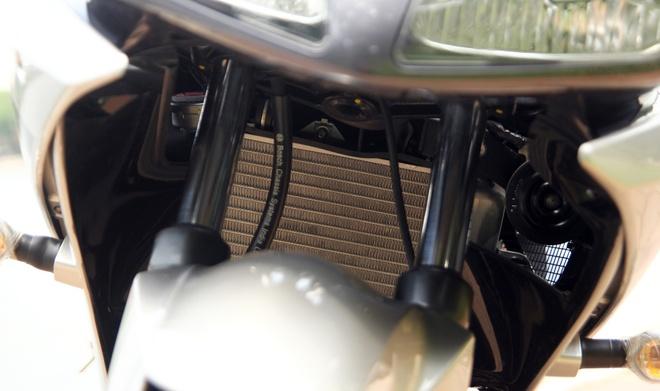 Can canh Yamaha R15 2014 moi ve Ha Noi hinh anh 12