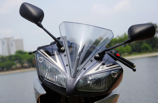 Can canh Yamaha R15 2014 moi ve Ha Noi hinh anh 5