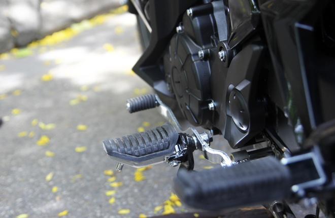 Chi tiet Yamaha Exciter RC 2014 mau xam moi ra mat o VN hinh anh 14