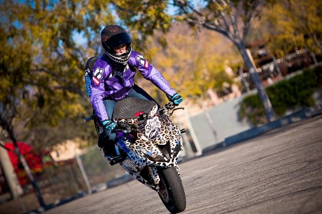 Nu biker My chuan bi trinh dien mo to mao hiem tai Ha Noi hinh anh 2 Những pha biểu diễn ngoạn mục của tay lái Mỹ sẽ có xuất hiện tại Hà Nội trong 2 ngày 28-29/6.
