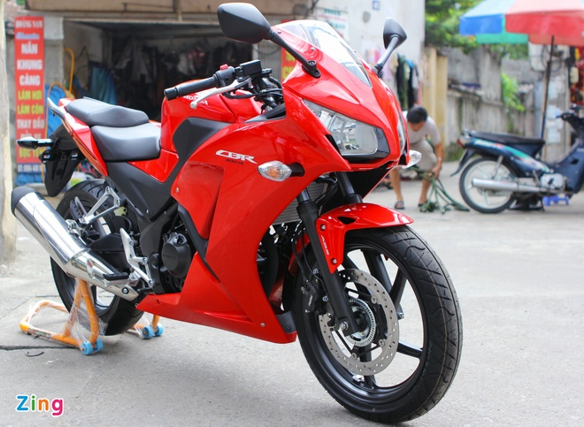 Honda CBR300R do dang Kawasaki Ninja 300 tai Ha Noi hinh anh 3