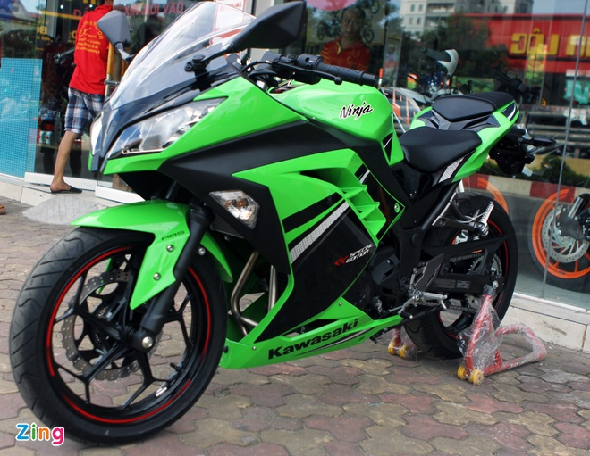 Honda CBR300R do dang Kawasaki Ninja 300 tai Ha Noi hinh anh 2