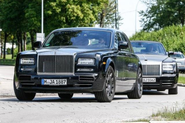 Rolls-Royce Phantom the he moi bi bat gap tren pho hinh anh