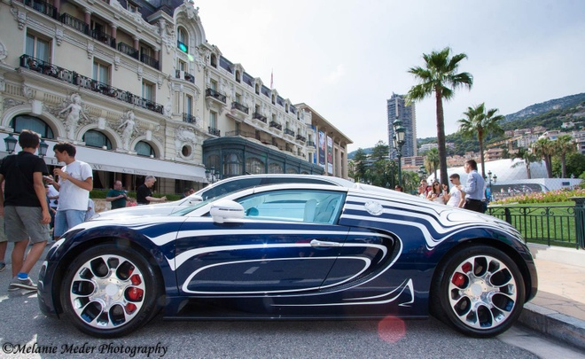 Sieu xe Bugatti Veyron ban gom su lan banh tai Monaco hinh anh