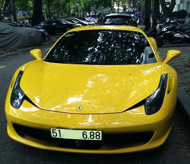 Sieu xe Ferrari 458 Italia vang bien dep khoe dang tai HN hinh anh 1