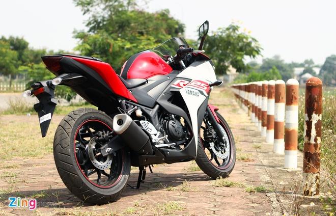 Chay thu Yamaha R25: Hoan hao cho nguoi moi choi sportbike hinh anh 4 Thiết kế của R25 gọn gàng, phù hợp với vóc dáng người châu Á.