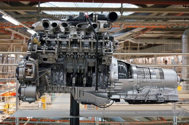 Kham pha nha may san xuat cua Rolls-Royce hinh anh 16