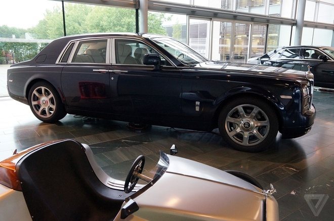 Kham pha nha may san xuat cua Rolls-Royce hinh anh 2