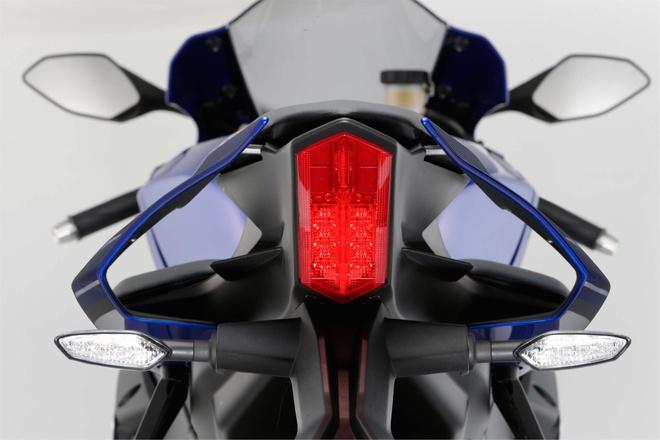 Anh chi tiet sieu mo to Yamaha YZF-R1 2015 moi ra mat hinh anh 14