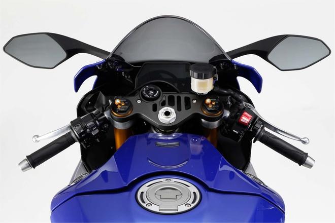 Anh chi tiet sieu mo to Yamaha YZF-R1 2015 moi ra mat hinh anh 20