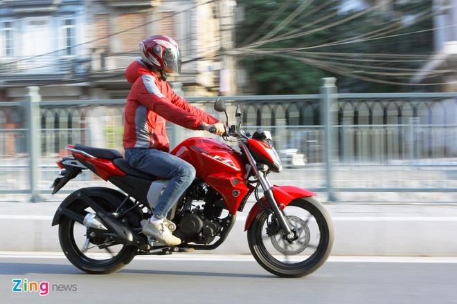 Chay thu Yamaha FZ-S V2.0 Fi: Naked-bike co nho dang luu tam hinh anh 4 Động cơ Blue Core trên FZ-S V2.0 có công suất nhỏ hơn, nhưng không làm mất đi khả năng vận hành của thế hệ trước, bởi xe đã được tối ưu hệ thống phun xăng điện tử và một số chi tiết cơ khí khác.