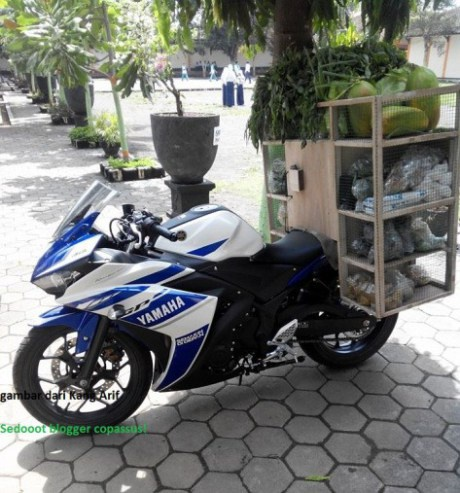 Yamaha R25, Honda CBR250R dung lam xe ban rau qua hinh anh 6