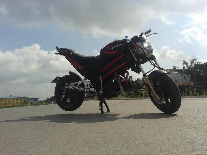 Chi tiet mau xe do phong cach Ducati tai Hai Duong hinh anh