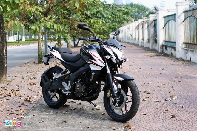 Mẫu naked bike 200 phân khối đến từ Ấn Độ Bajaj Pulsar 200NS. Ảnh: Hạ Phong.