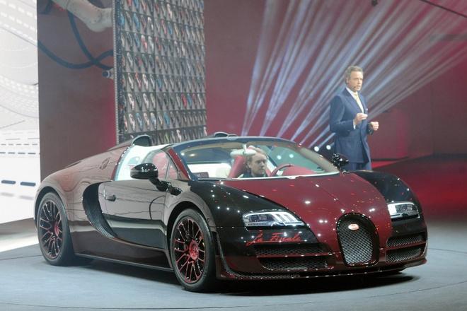 Bugatti Veyron dau tien va cuoi cung xuat hien tai Geneva hinh anh