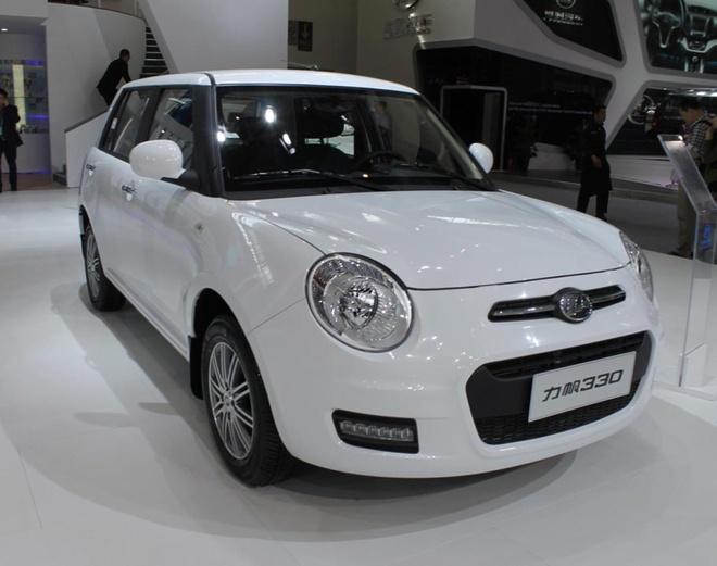Nhung mau oto nhai trang tron cua cac hang xe Trung Quoc hinh anh 9 Nếu không để ý kỹ, nhiều người có thể nhầm tưởng mẫu Lifan 330 của Trung Quốc với chiếc MINI Cooper nổi tiếng thế giới.