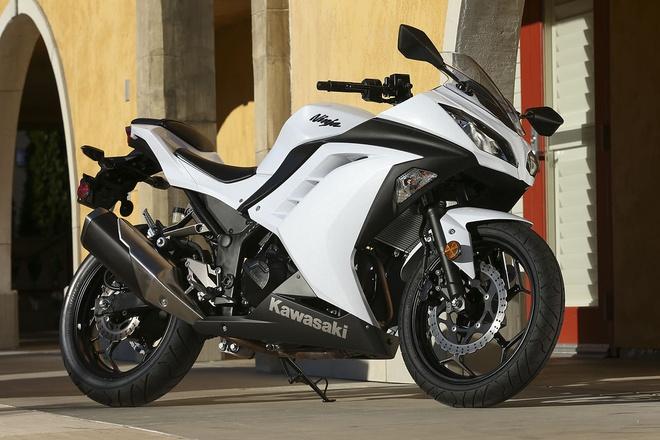 Ninja 300 sở hữu thiết kế bắt mắt, thể thao. Ảnh: Kawasaki.