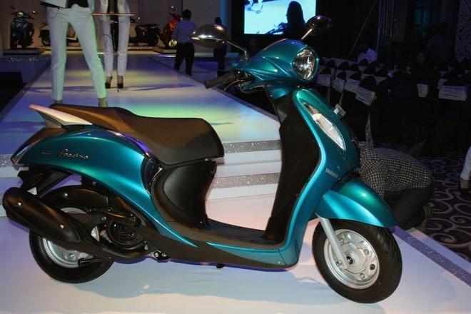 Yamaha ra mat xe ga Blue Core gia mem moi hinh anh