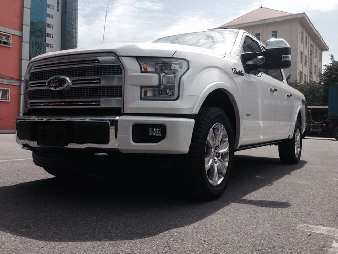 Xe ban tai ham ho Ford F-150 Platinum 2015 ve Ha Noi hinh anh