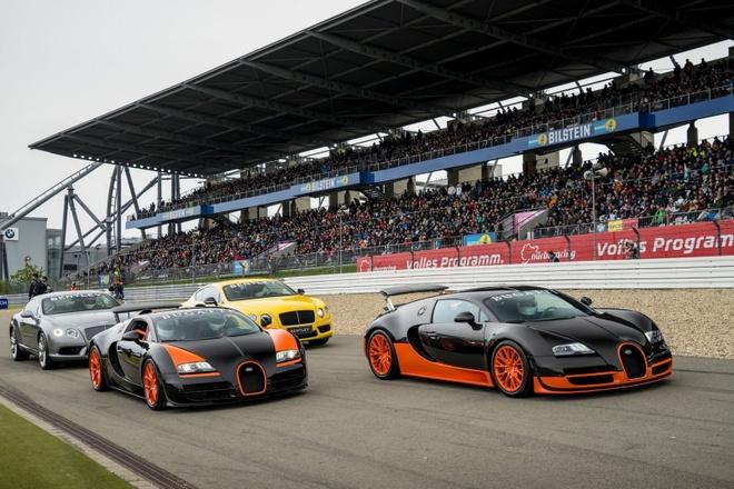 Hai sieu xe Bugatti nhanh nhat the gioi song doi hinh anh