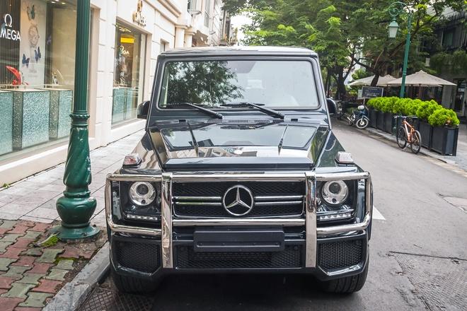 Bo suu tap Mercedes-Benz G-Class tren duong pho Ha Noi hinh anh