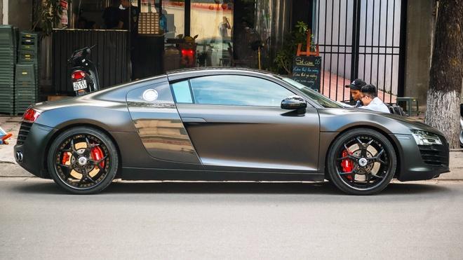 Sieu xe Audi R8 son mau den mo tai Ha Noi hinh anh