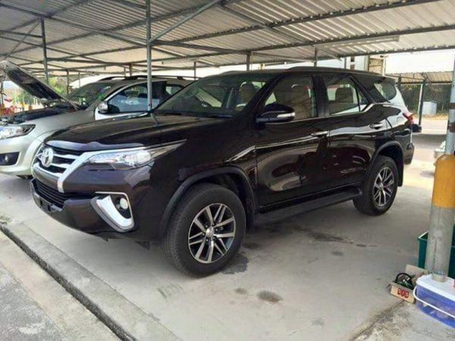 Toyota Fortuner 2016 lo anh truoc ngay ra mat hinh anh