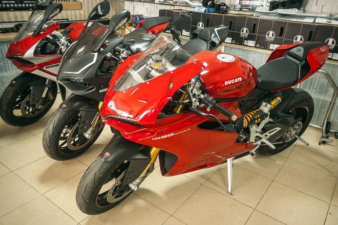 Can canh sieu moto Ducati 1299 Panigale S tai Ha Noi hinh anh
