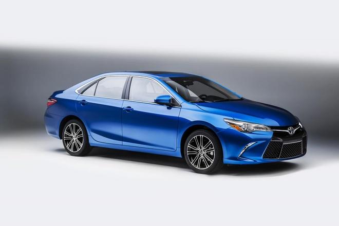 Toyota Camry va Corolla ban dac biet co gia ban hinh anh
