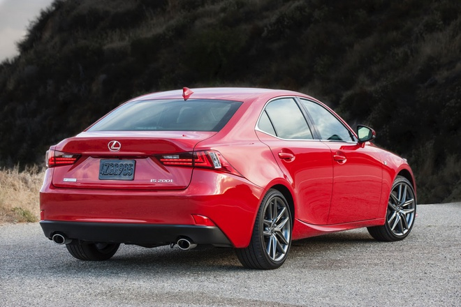 Lexus IS 2016 them tuy chon dong co cho khach My hinh anh 2