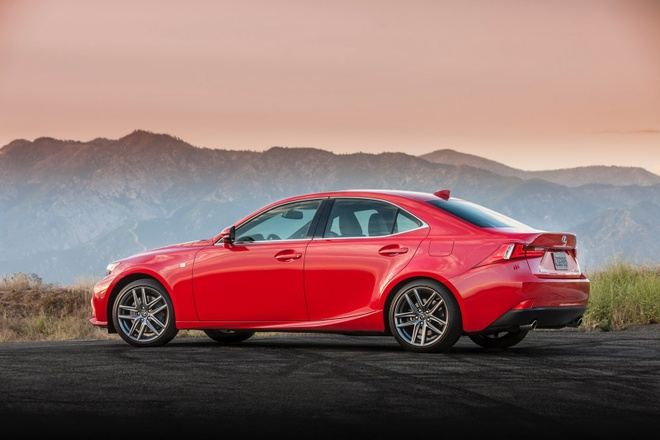 Lexus IS 2016 them tuy chon dong co cho khach My hinh anh 3