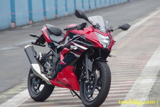 10 moto duoi 500 phan khoi duoc yeu thich nhat hinh anh 7 Kawasaki Ninja 250SL và Z250 là những mẫu xe tiếp theo lọt top của hãng xe Nhật Bản. So với Ninja 300 và Z300, hai mẫu xe xi-lanh đơn hợp lý hơn về giá thành. Người dùng bỏ ra 3.849 bảng cho phiên bản sportbike Ninja 250 và 3.649 bảng cho naked bike Z250.