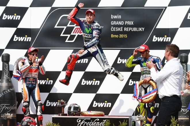 Thang chang 11 MotoGP, Lorenzo san bang diem so voi Rossi hinh anh