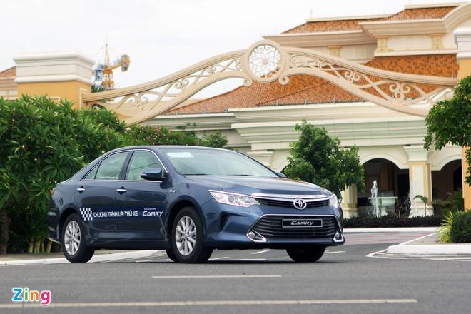 Toyota Camry 2016 giam gia ban anh 1