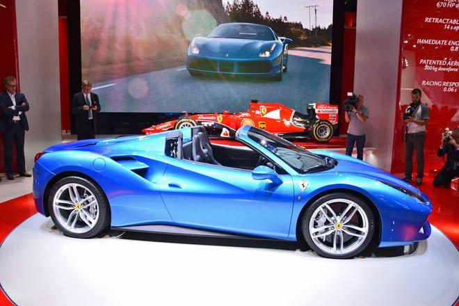Sieu xe mui tran Ferrari 488 Spider tai trien lam Frankfurt hinh anh 5