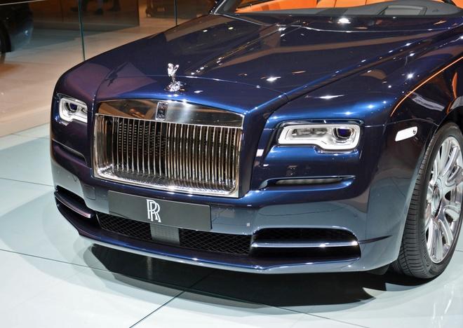 Rolls-Royce trung bay xe mui tran Dawn tai trien lam xe Duc hinh anh 5 Dawn sở hữu động cơ V12 6,6 lít, công suất 563 mã lực và mô-men xoắn cực đại 780 Nm. Dù có trọng lượng khoảng 2.560 kg, Dawn vẫn có khả năng tăng tốc từ 0-100 km/h trong khoảng 4,9 giây và có thể đạt vận tốc tối đa 248 km/h.