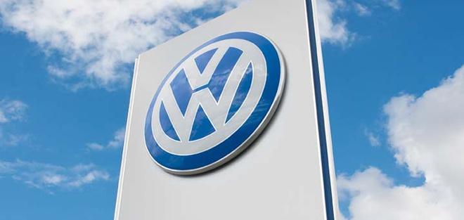 Volkswagen gap be boi gian lan khi thai nghiem trong hinh anh