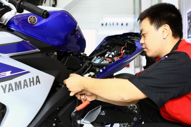 Chi tiet noi that Yamaha R3 moi ra mat tai Viet Nam hinh anh