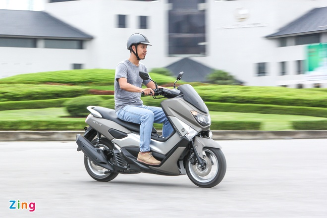 Chay thu Yamaha NM-X: Dong co boc, it ton xang hinh anh 6 Tư thế lái thoải mái cho cả những hành trình dài, hay di chuyển thường ngày trên phố.