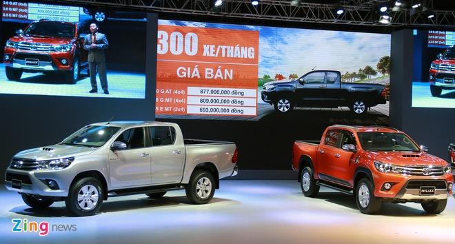 Toyota Hilux 2016 ra mat tai VN, gia tu 693 trieu dong hinh anh 3 Giá bán của Hilux 2016 tăng so với thế hệ trước.