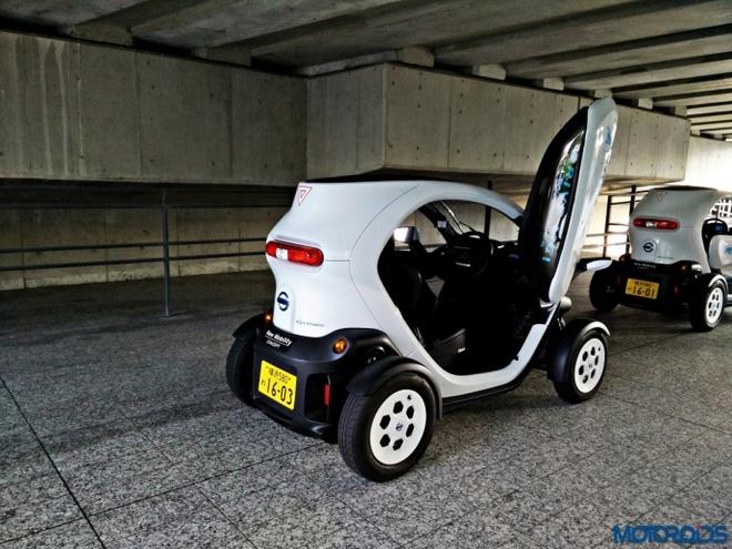 Oto dien 2 cho ngoi doc dao cua Nissan hinh anh 2 New Mobility có thể đạt tốc độ tối đa 80km/h.