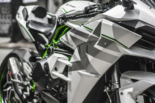Sieu moto Kawasaki Ninja H2 thay ao moi tai Sai Gon hinh anh 4
