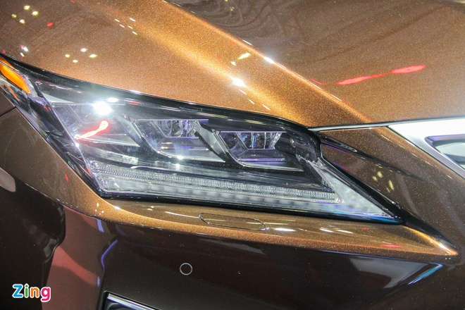 Lexus RX 350 2016 trinh lang tai Viet Nam hinh anh 5 Cụm đèn pha của RX 350 2016 sử dụng công nghệ LED hoàn toàn. Đèn chạy ban ngày dạng LED
