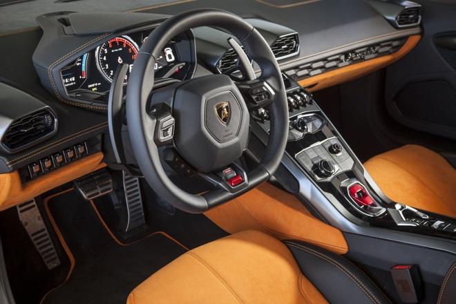 Lamborghini Huracan 2016 nang cap trai nghiem lai hinh anh 2 Nội thất của Huracan 2016 có những thay đổi nhất định so với phiên bản cũ.