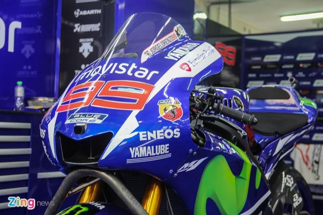 Yamaha YZR-M1 - sieu moto on dinh nhat MotoGP 2015 hinh anh 6