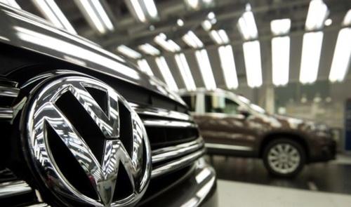 Moi chu xe Volkswagen duoc boi thuong 1.000 USD hinh anh 1 Volkswagen đang đẩy nhanh quá trình lấy lại niềm tin của người tiêu dùng sau bê bối gian lận khí thải - Ảnh: AP
