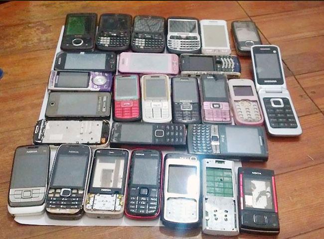 Dien thoai di dong cu bi cam nhap khau tu 15/12 hinh anh 1 Điện thoại cũ bị cấm nhập khẩu từ ngày 15/12/2015.