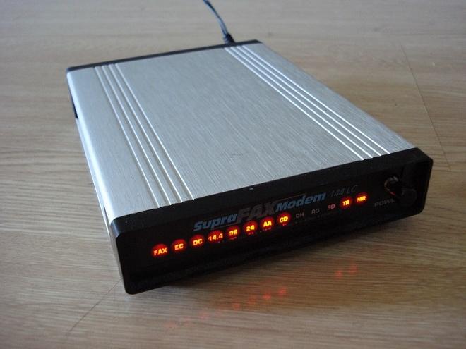 Modem va router mang khac nhau nhu the nao? hinh anh 3 SupraFAXModem 14400, một modem có tốc độ 14,4 Kb/s.