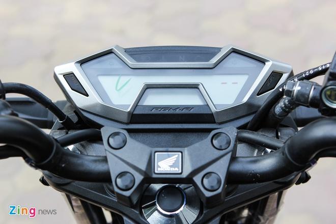 Honda CB150R 2016 so dang voi Yamaha FZ150i hinh anh 9
